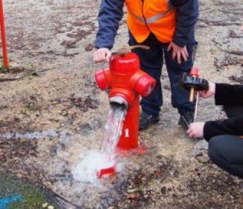 W 350 qui doit prendre en charge les depenses dinvestissement lorsque les travaux dapprovisionnement des points deau destines a la lutte incendie portent sur le reseau public daddu